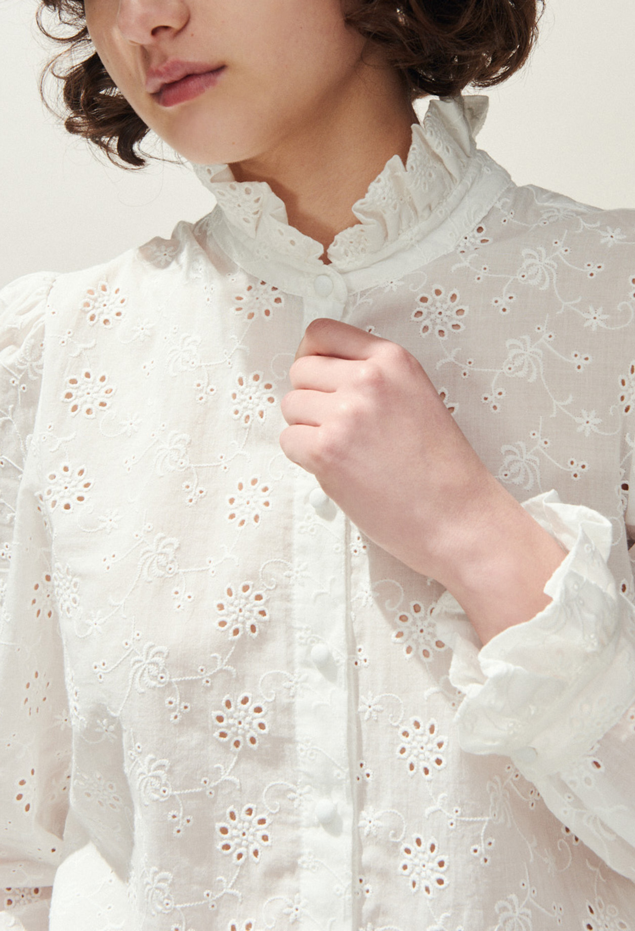 Victorian collar embroidered shirt